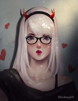 Фото Белокурая девушка в ободочке с рожками, by HashTag13