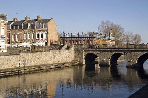 Фото Мост в городе Амьен, Франция