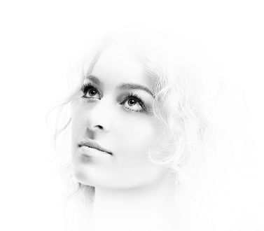 Фото Блондинка на светлом фоне (© allabor), добавлено: 19.03.2017 18:53