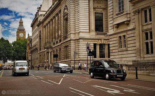 Фото Лондонская улица с видом на часовую башню Биг - Бен, by Adrian Petrisor
