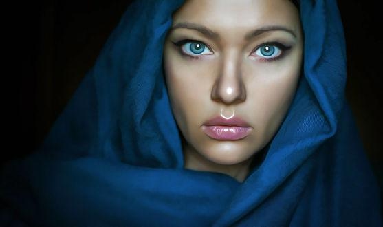 Фото Девушка с голубыми глазами в голубом платке, by amit salvi