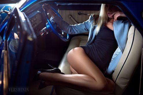 Фото Девушка сидит в авто, фотограф Alexandr Vershinin