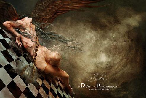 Фото Обнаженная девушка - ангел с порезами на теле, прикована цепью к шахматной поверхности, by Dimi Papadimitriou