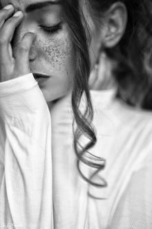 Фото Девушка с веснушками на лице, фотограф Stefan Beutler