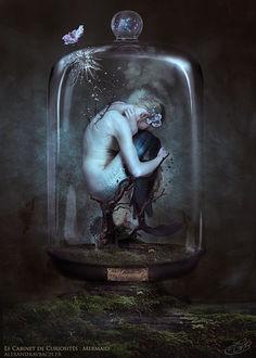 Фото Полуобнаженная девушка-русалка в стеклянном сосуде, by alexandravbach (© Margo Fly), добавлено: 20.04.2017 20:07