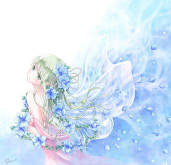 Фото Девушка с голубыми цветами и крылышками бабочки (© zmeiy), добавлено: 21.04.2017 11:58
