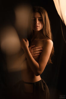 Фото Полуобнаженная девушка, фотограф Дмитрий Елизаров