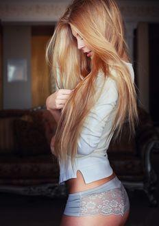 Фото Модель Юлия с длинными волосами, фотограф Sean Archer
