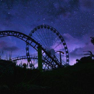 Фото Чертово колесо на фоне ночного неба