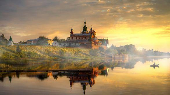 Фото Никольский мужской монастырь на берегу реки, с. Старая Ладога, фотограф Гордеев Эдуард