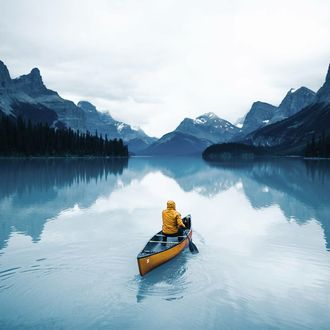 Фото Человек в лодке на озере Альберт, Канада / Lake Albert, Canada