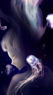 Фото Девушка в окружении медуз под водой