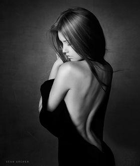 Фото Девушка с оголенной спиной, фотограф Sean Archer