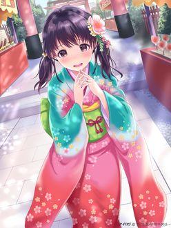 Фото Смущенная девочка стоит в кимоно