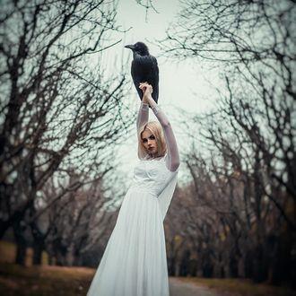 Фото Девушка с вороном на руках, фотограф Елена Милуша