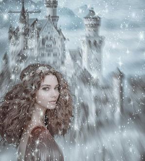 Фото Девушка на фоне сказочного замка и снега