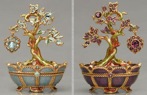Фото Парные антикварные шкатулки в виде деревьев с драгоценными камнями
