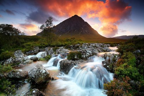 Фото Волшебный закат на Etive Мор с горным поток воды, Scotland / Шотландия, фотограф Darek Podhajski