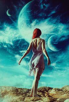 Фото Девушка стоит к нам спиной на фоне планет, by Peter Brownz Braunschmid