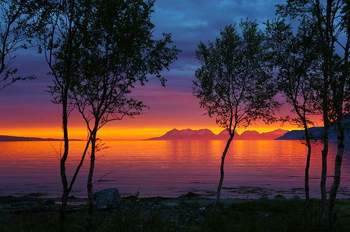 Фото Розовый закат над озером, by Unni Lillehaug Lorentsen