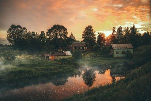 Фото Дома у реки на фоне закатного неба, Старая Ладога, фотограф Гордеев Эдуард