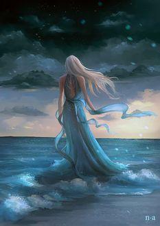 Фото Девушка в длинном голубом платье стоит на голубой воде, Nicole Altenhoff Artwork