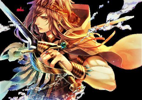 Фото Парень в бандане держит меч, на него летят брызги воды