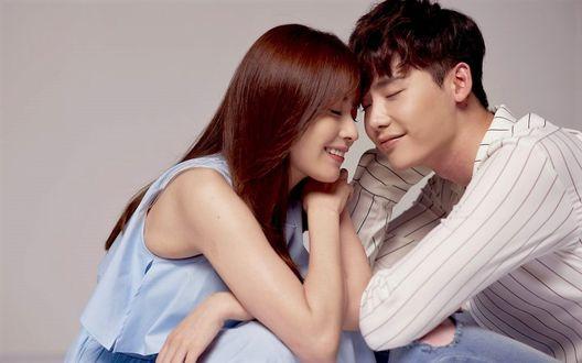Фото О Ён Чжу и директор Кан фото к дораме W меж двух миров (актеры Ли Чон Сок и Хан Хе Чжу)