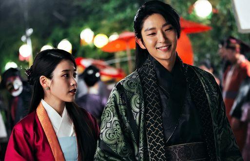 Фото Хэ Су и король Кван Джон кадр из дорамы Алые сердца: Коре (актеры Ли Джун Ги и Айю)