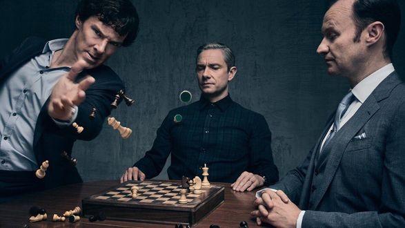 Фото Sherlock Holmes / Шерлок Холмс, Mycroft Holmes / Майкрофт Холмс и John Watson / Джон Ватсон, персонажи сериала Sherlock / Шерлок