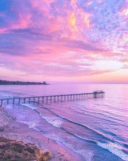 Фото Пирс у моря на рассвете