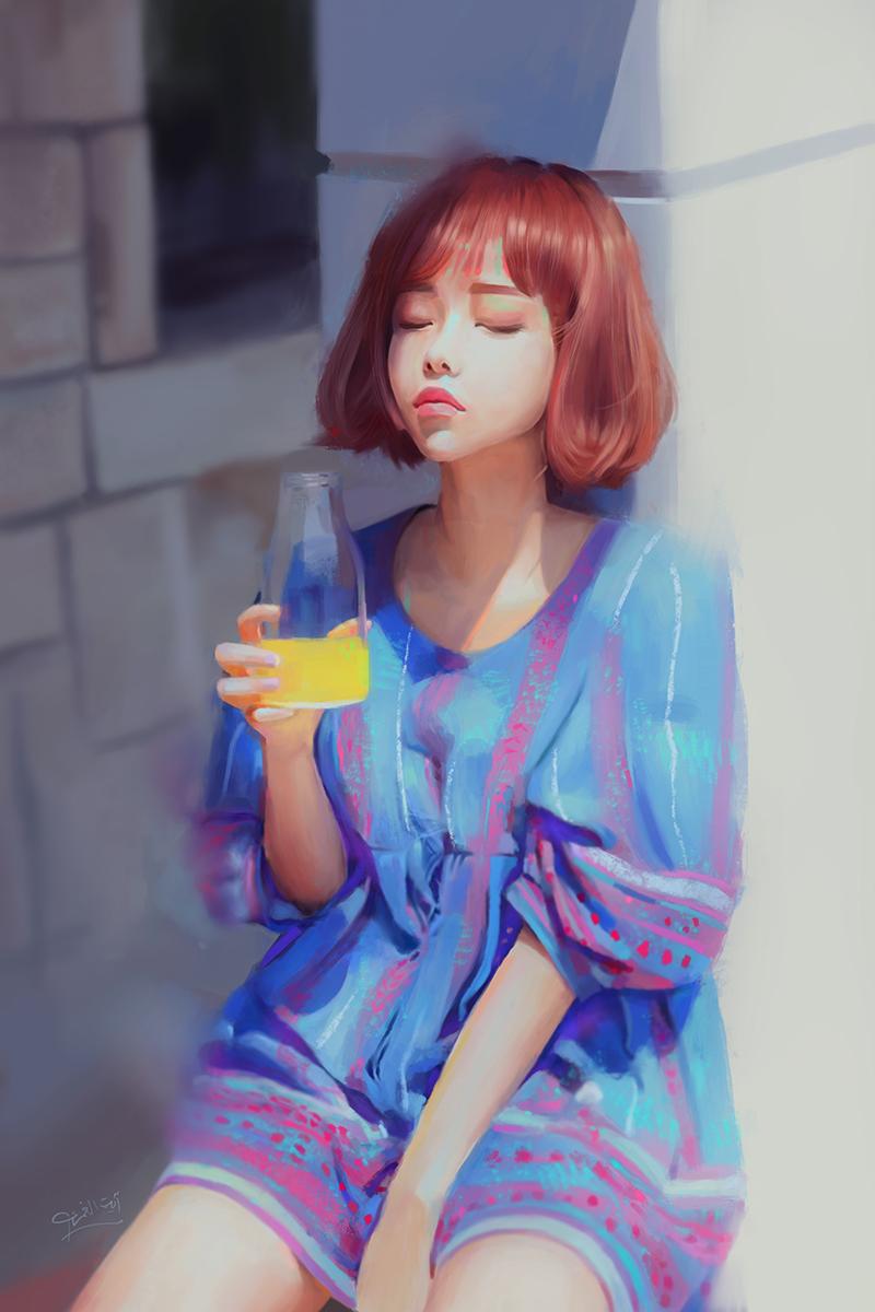 Фото Девушка с бутылочкой апельсинового сока в руке сидит у стены с закрытыми глазами, by AyahYumi