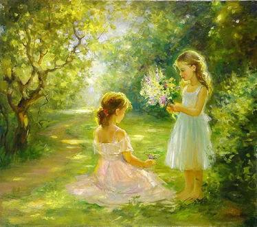 Фото Девочки собирают цветы в лесу. Работа Татьяны Уткиной
