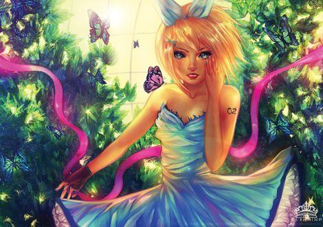 Фото Девушка - блондинка в голубом платье в окружении бабочек, by kuroszi