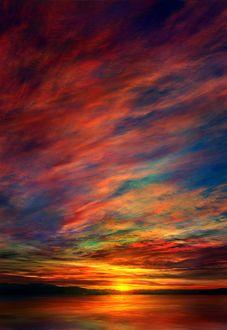 Фото Разноцветное небо, окрашенное закатом, над водоемом, by mks