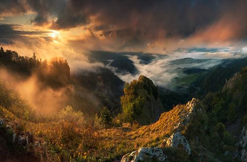 Фото Мистическое утро в горной местности. Фотограф Karol Nienartowicz