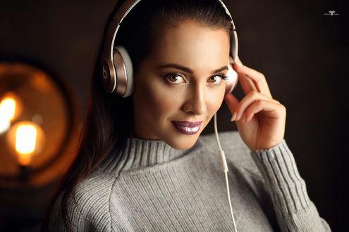 Фото Модель Мария в наушниках, фотограф Dmitry Arhar