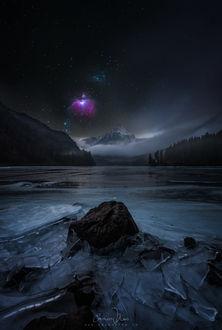 Фото Озеро в окружении гор, на фоне звездного неба, фотограф cmoon view