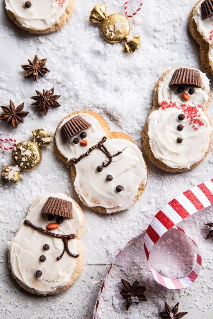 Фото Новогодние печенья в виде снеговиков, by Half Baked Harvest