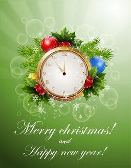Фото Часы, показывающие время приближения Нового года, украшенные шарами, ягодами, листочками и ветками ели, (Merry Christmas, Happy-New-Year / С Новым годом, Рождеством)