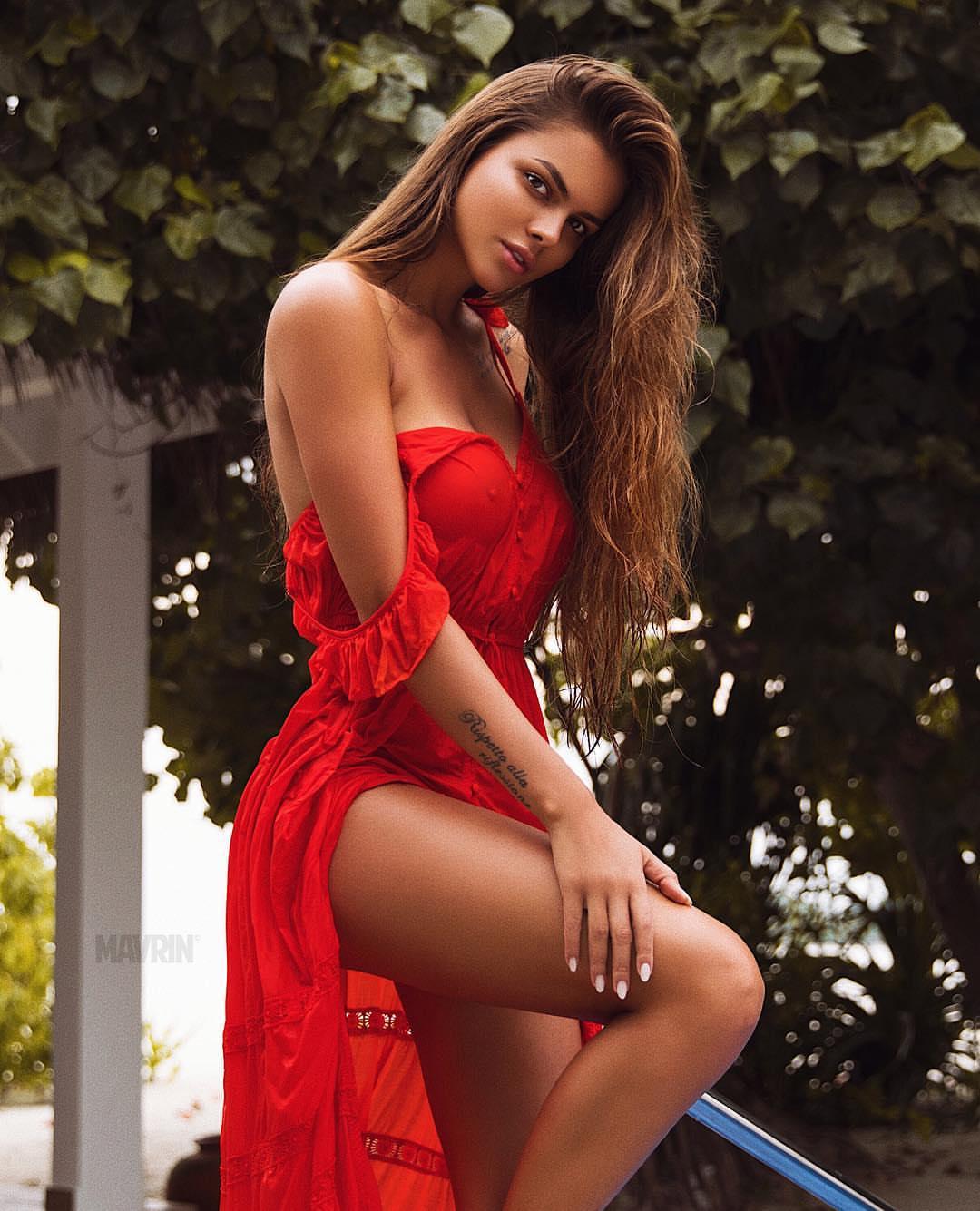 горячие фотосессии русских моделей играют