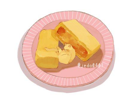 Фото Кошка умывается, лежа на тарелке с ячным роллом, by @jedo0401