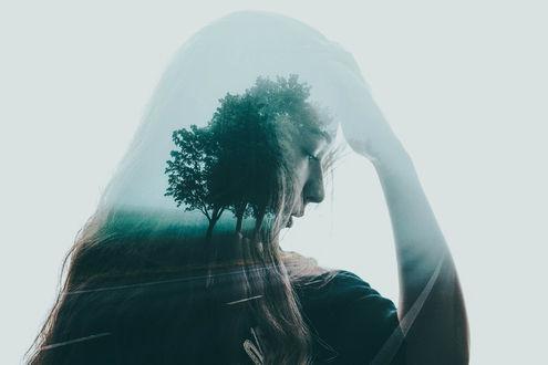 Фото Грустная девушка с изображением природы, by ivtaya