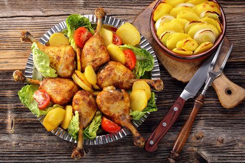 Фото Тарелка с птицей, овощами и картошкой