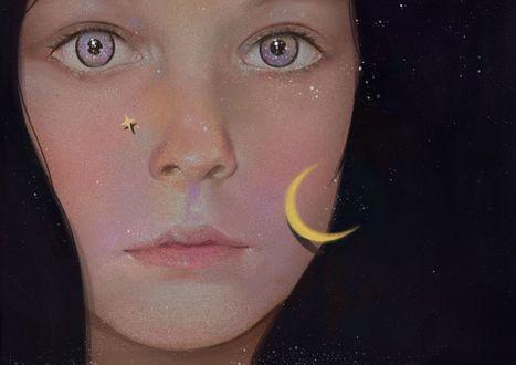 Фото Лицо темноволосой девушки с месяцем и звездочкой на лице, art by zhongxiayou