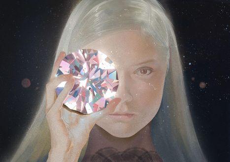 Фото Белокурая девушка с огромным алмазом в руке, в звездном небе, art by zhongxiayou