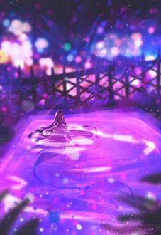 Фото Русалка принимает плавает в бассейне, расположенном на крыше дома