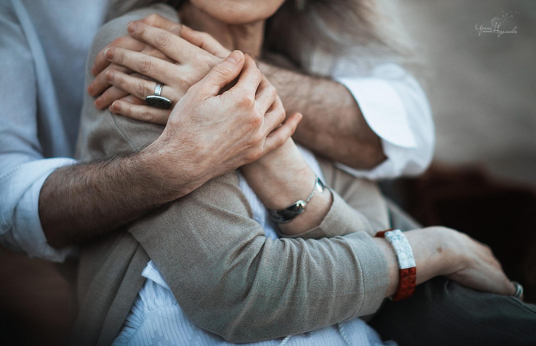 Картинка мужчина и женщина обнимаются, картинках