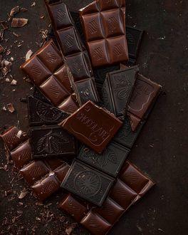 Фото Плитки черного шоколада