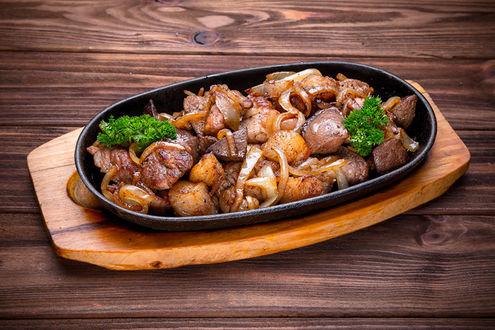 Фото Блюдо с жареным мясом